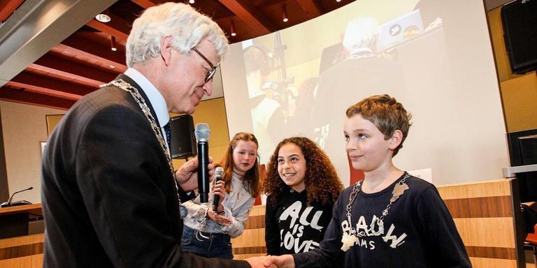 Silvan de Vries is dit jaar de kinderburgemeester van Leeuwarden
