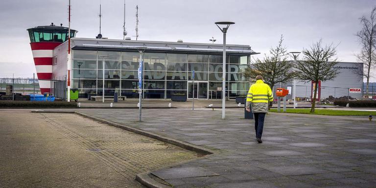 De uitbreiding van Lelystad Airport zal hoe dan ook in 2020 plaatsvinden, belooft minister Cora van Nieuwenhuizen. foto ANP/ LEX VAN LIESHOUT