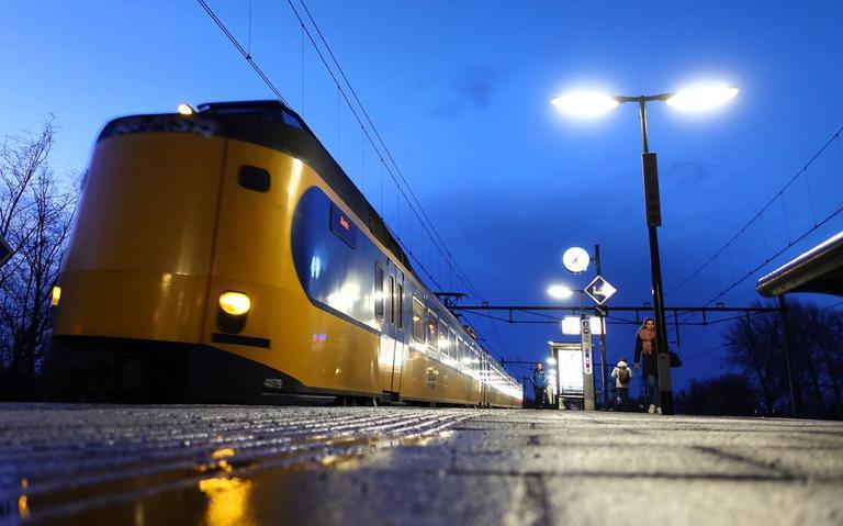 Geen treinen tussen Wolvega en Heerenveen door aanrijding op het spoor.