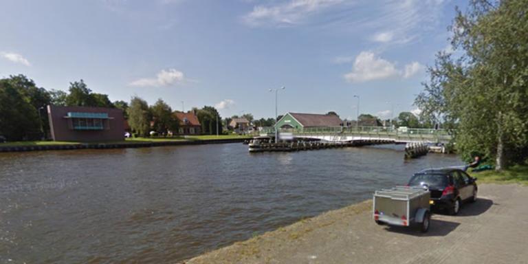 De brug bij Skûlenboarch.