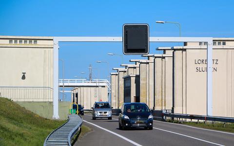 Sluis Kornwerderzand kan metamorfose ondergaan: eerst nieuwe bruggen, later bredere sluis