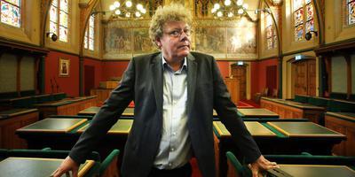 Retze van der Honing in de statenzaal. ,,Ik meitsje der in polityk ferhaal fan.''