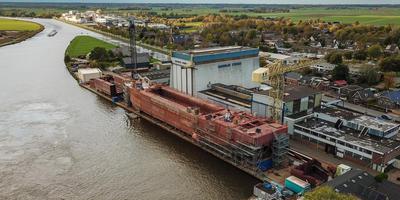 De failliete scheepswerf Barkmeijer in Stroobos.