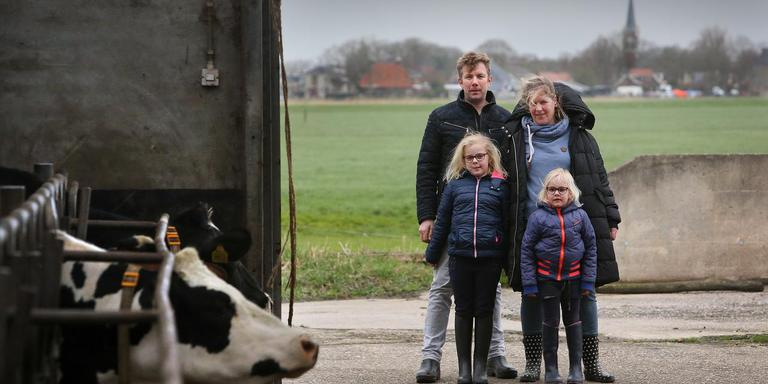 Vijf boeren in Reduzum krijgen kerkgeld voor biodiversiteit.