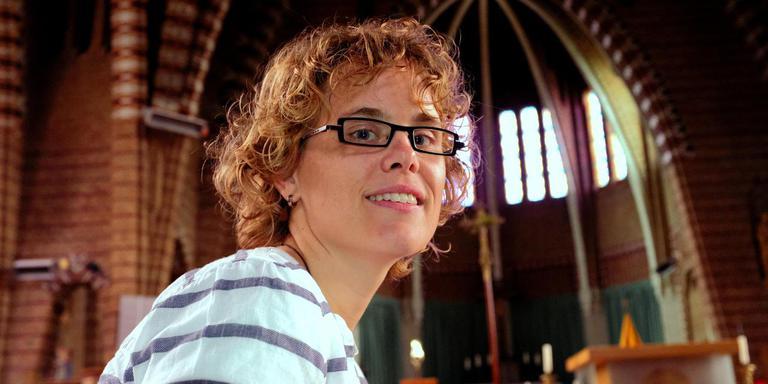 Henny Brouwer in de Franciscusbasiliek: ,,Ik dacht: ja, wat is er nog wat me tegenhoudt?'' FOTO LC/WIM SCHRIJVER