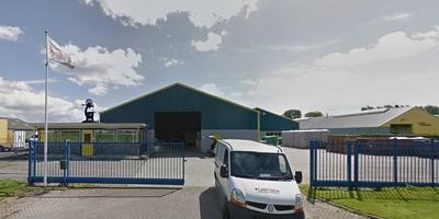 Het bedrijfspand aan de Oergongswei in Scharnegoutum. Foto google