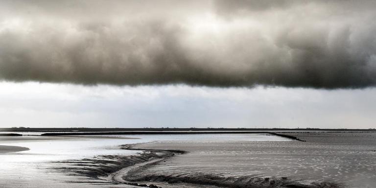 De Waddenzee bij Holwerd.
