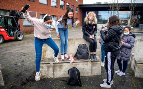 Middelbare scholen weer open: 'bubbel-lessen' houden leerling en docent veilig