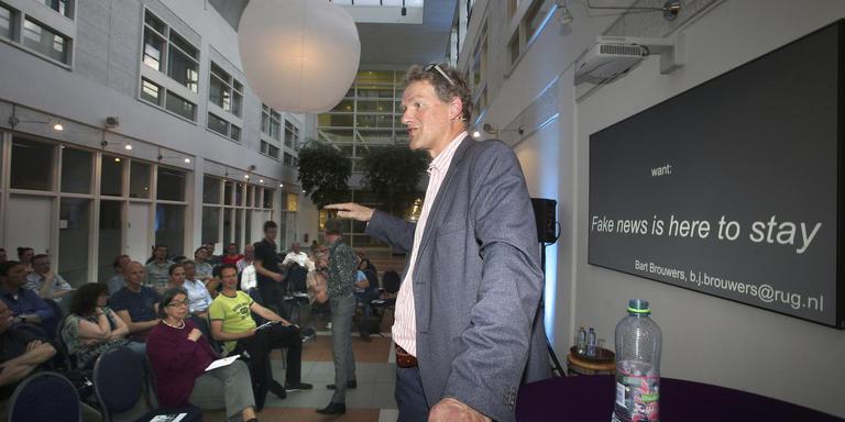 Hoogleraar journalistiek Bart Brouwers: ,,Wantrouw jezelf als journalist.'' Foto Niels Westra