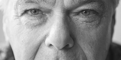 Gurbe Dijkstra: ,,'Earne' en 'nearne' komme by my net foar, dat is altyd 'ergens' en 'nergens'.'' FOTO JAN SPOELSTRA