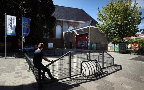 Deel van Westerkerk in Leeuwarden moet plat voor uitbreiding school