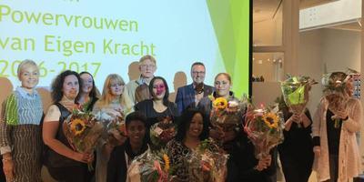 Vorig jaar haalden elf vrouwen van Eigen Kracht het mbo-diploma. EIGEN FOTO