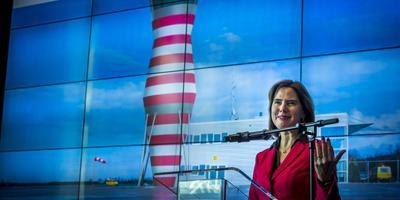 Minister Cora van Nieuwenhuizen van Infrastructuur tijdens een persconferentie eerder dit jaar over uitstel van de opening van Lelystad Airport. FOTO ANP