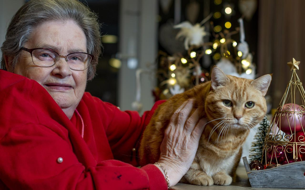 Grietje Smid (83) hoopt van harte dat ze ondanks alles toch haar 'jonkje uit Stiens' even kan zien, haar verstandelijk beperkte zoon. In het begin van corona mocht dat niet. ,,Dat is moeilijk''.
