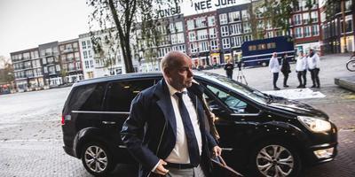 Wim Anker arriveert bij de rechtbank in Leeuwarden.