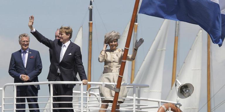 Foto: Koning Willem Alexander en koningin Máxima tijdens hun kennismakingsbezoek aan Friesland in juni 2013.