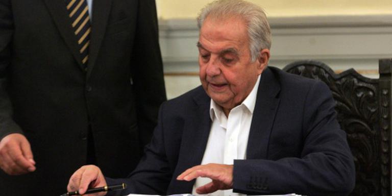 Benzinebommen op huis Griekse minister