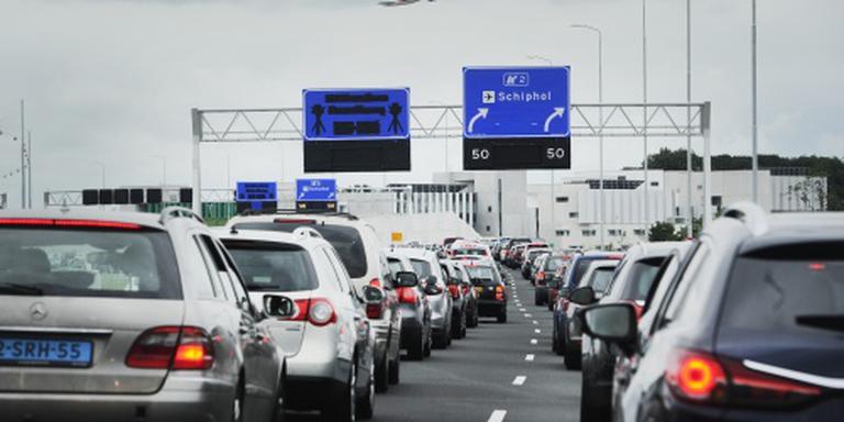 'Stap niet voortijdig uit auto bij Schiphol'