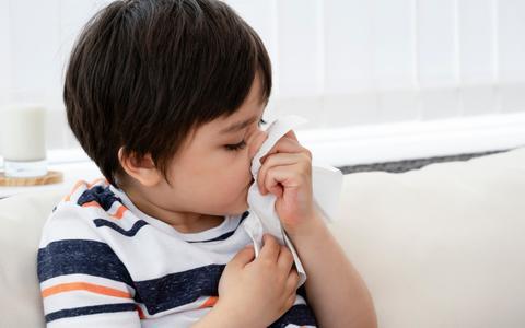 Kinderen met aanhoudende snottebellen kunnen om coronatest vragen