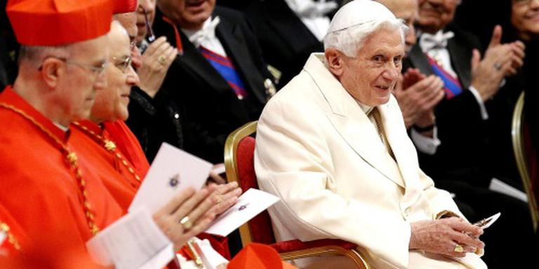 Benedictus 'schakelde homolobby Vaticaan uit'