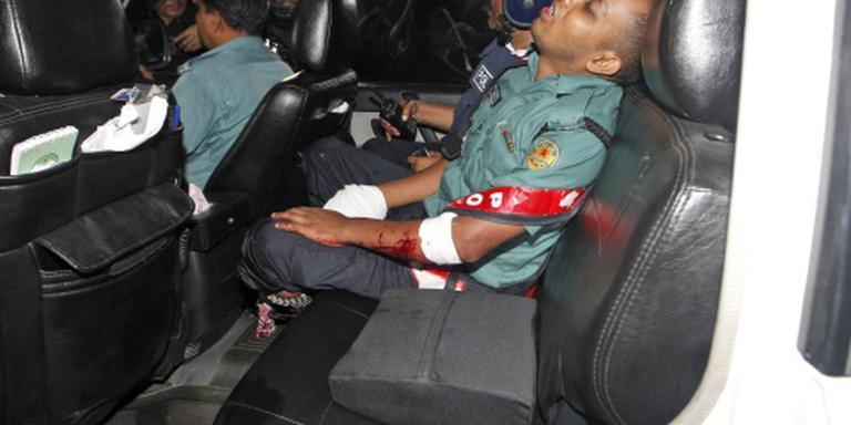 Twee agenten dood bij gijzelingsactie Dhaka