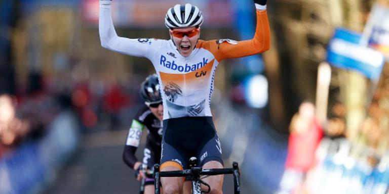 De Jong wint slotrit Giro Rosa