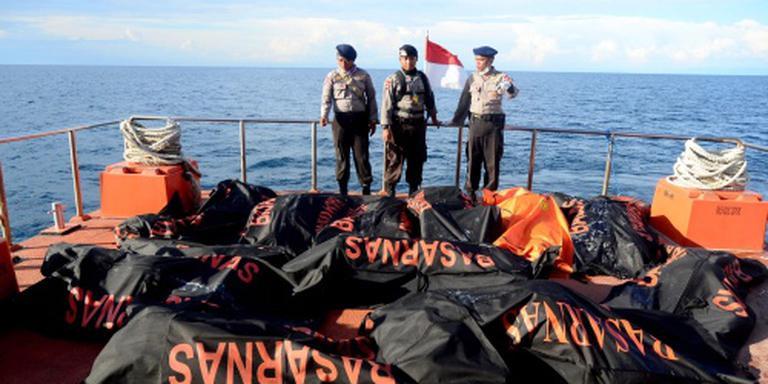 Lichamen geborgen na schipbreuk Sulawesi