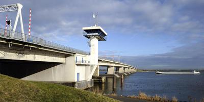 Ongeval op A6: Ketelbrug dicht