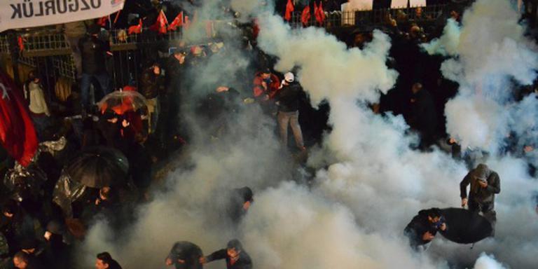 Turkse politie opnieuw in actie bij krant