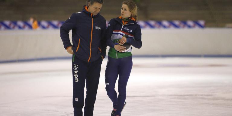 Rianne de Vries met haar coach Jeroen Otter. FOTO HENK JAN DIJKS