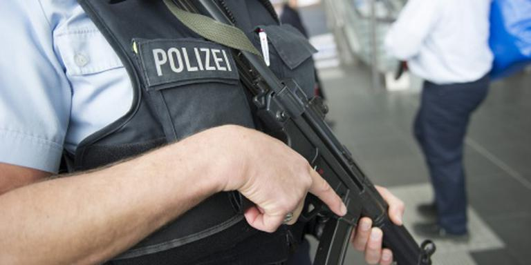 Honderden agenten bij inval Duits bordeel
