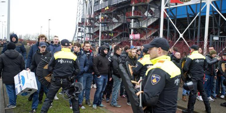 Arrestaties bij protestmars bij De Kuip