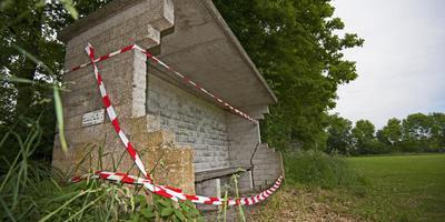 Bloedlink: zware betonplaat