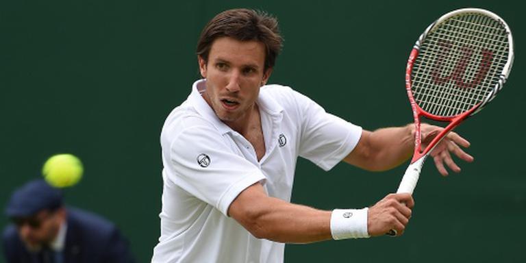 Tennisser Sijsling even de baan op