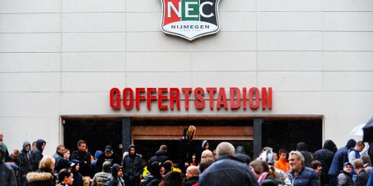 NEC en PEC Zwolle trappen eredivisie af