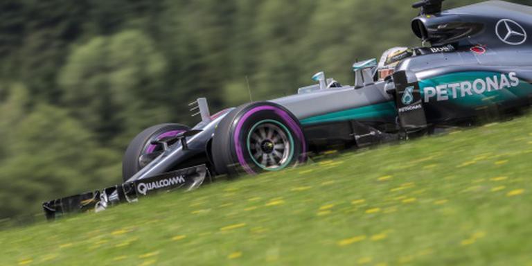 Hamilton op pole, Verstappen start vanaf acht