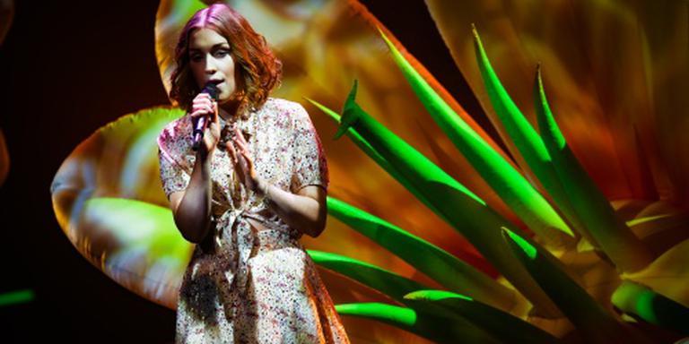 Idols-winnares Nina op 1 in iTunes