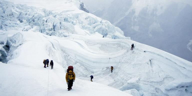 Opnieuw klimmer bezweken op Mount Everest