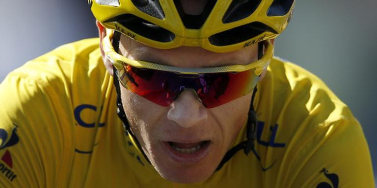 Froome zonder fiets op Mont Ventoux
