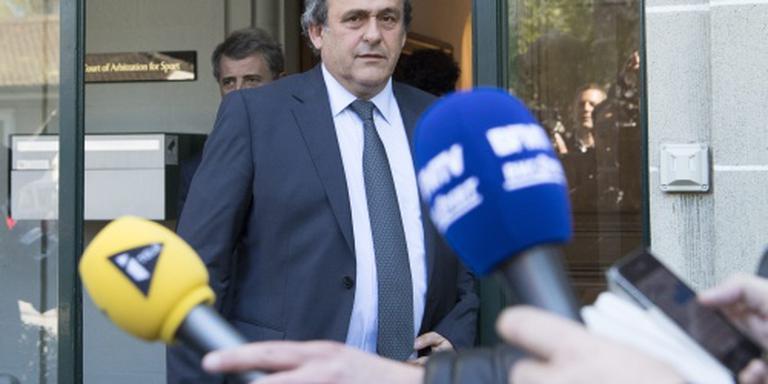 FIFA wacht met jacht op geld Platini