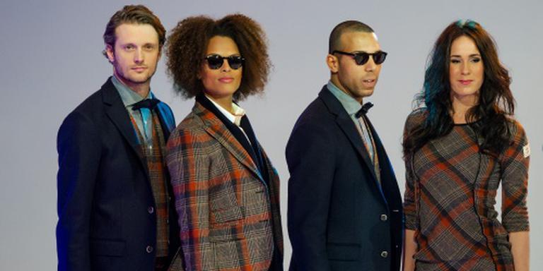 Modellen met kleding van Suitsupply
