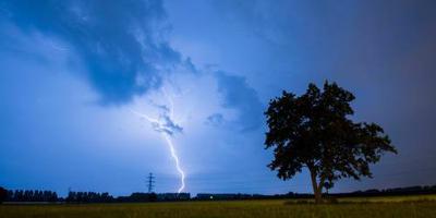 Onweer, bliksem en regen zorgen voor overlast