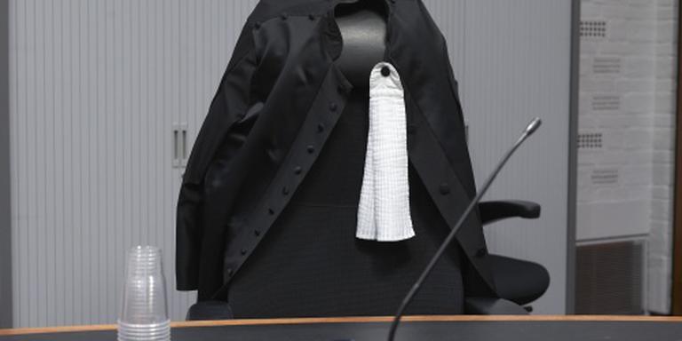 Jaar cel en werkstraf voor schietende ex-agent