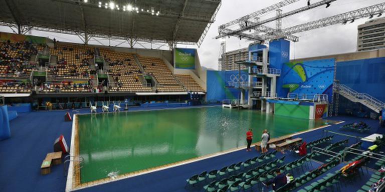 Zwembad wegens groen water gesloten
