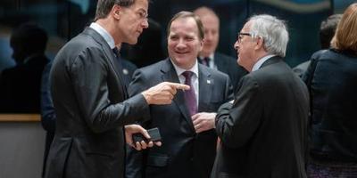 Rutte trekt Juncker aan jasje over nota Italië