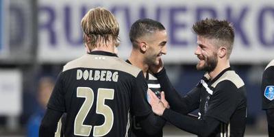 Ajax klopt Heerenveen.