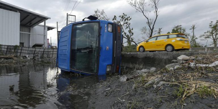 Tyfoon laat spoor van vernieling na in China