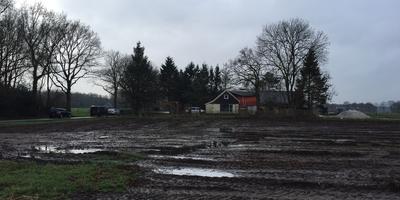 De woning in Zandhuizen waar de lichamen zijn gevonden. FOTO RENS HOOYENGA