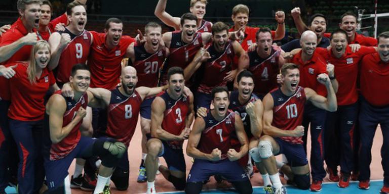 Amerikaanse volleyballers winnen brons