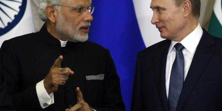 Indiase premier doet 'kerstinkopen' in Moskou